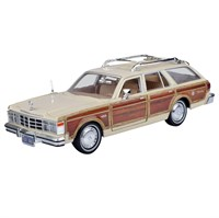 Metal Motormax 1979 Chrysler LeBaron Town Country 1:24